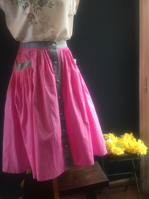 High-waisted flowing Folk Skirts