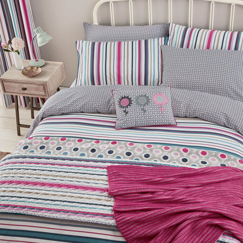 HS Trixie Raspberry Superking Duvet Cover Set