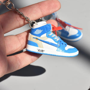 Porte-clés sneakers 3D : Air Jordan 1 x Off White - UNCSneakers Wall Star- accessoires sneakers addict
