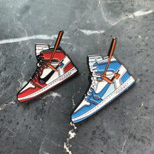 Load image into Gallery viewer, Pins Air Jordan 1 x Off White BlueSneakers Wall Star- accessoires sneakers addict