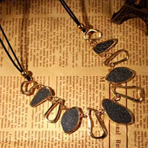 Womens Trendy Chunky Necklace