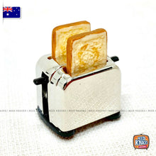 Load image into Gallery viewer, Mini Toaster & Bread Slices Set - 1:12 Miniature