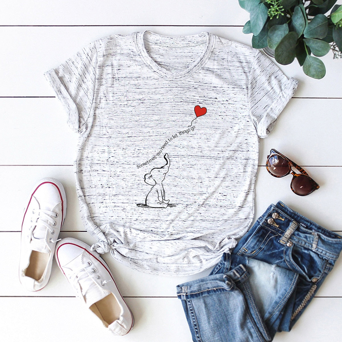 Elephant heart balloon tshirt Grey