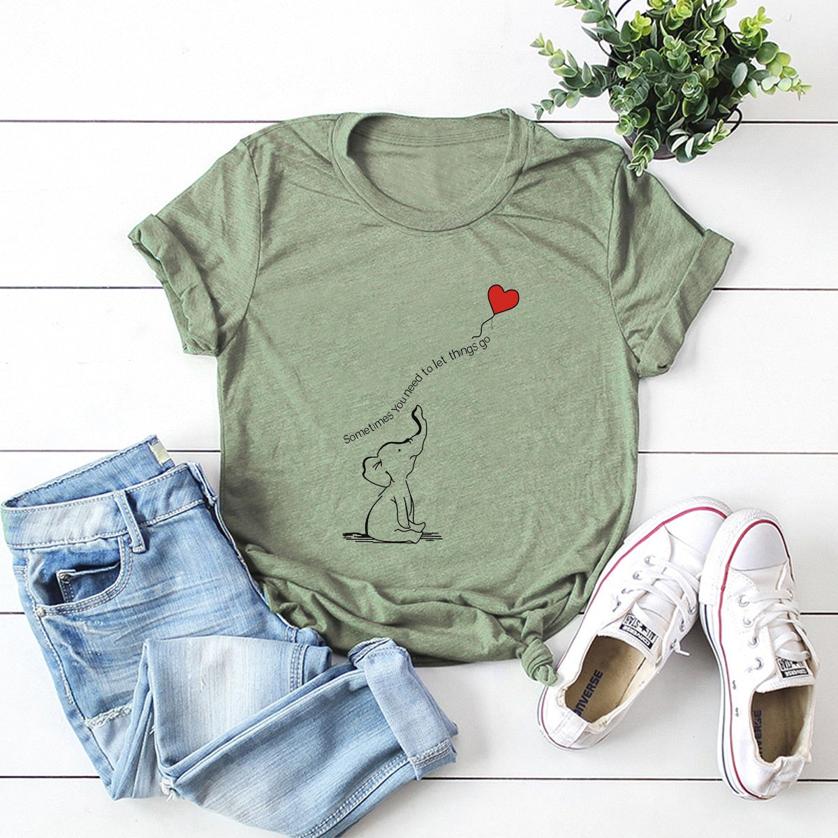 Elephant heart balloon tshirt green