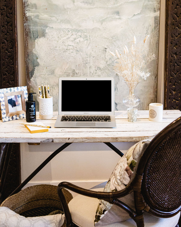 Caroline Diani's Tips for Freshening Up Your Workspace
