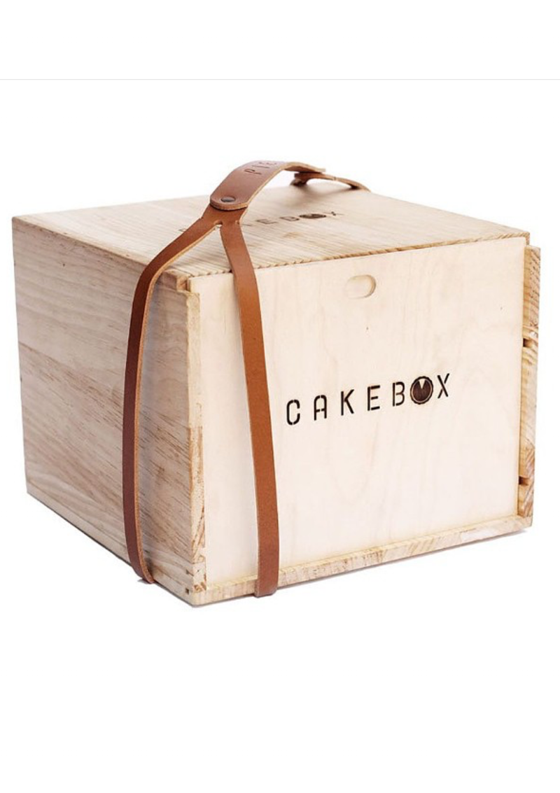 Wooden Cake & Cupcake Carrier