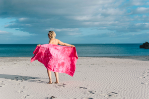 BEACH TOWEL - FUSCIA