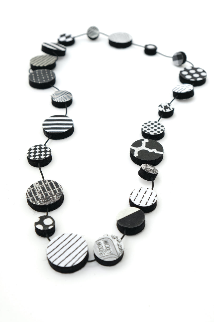 Graphic Dot Necklace