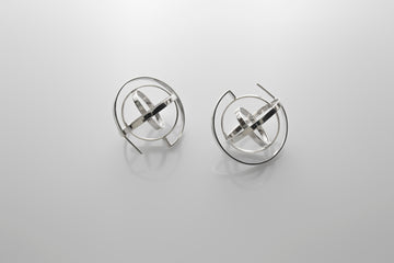 Errante Short Earrings