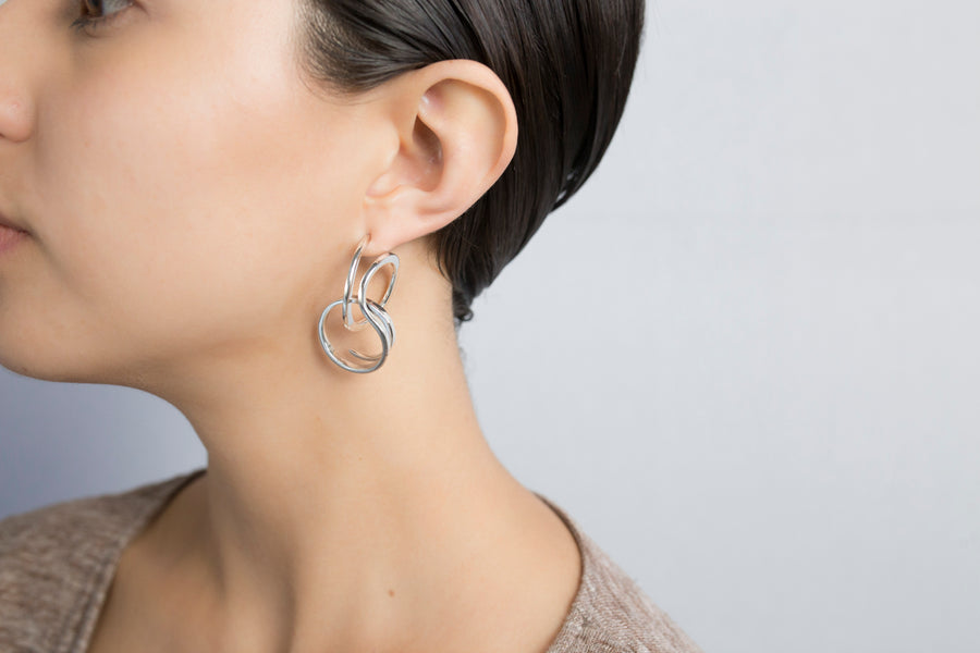 Bucle Short Earrings