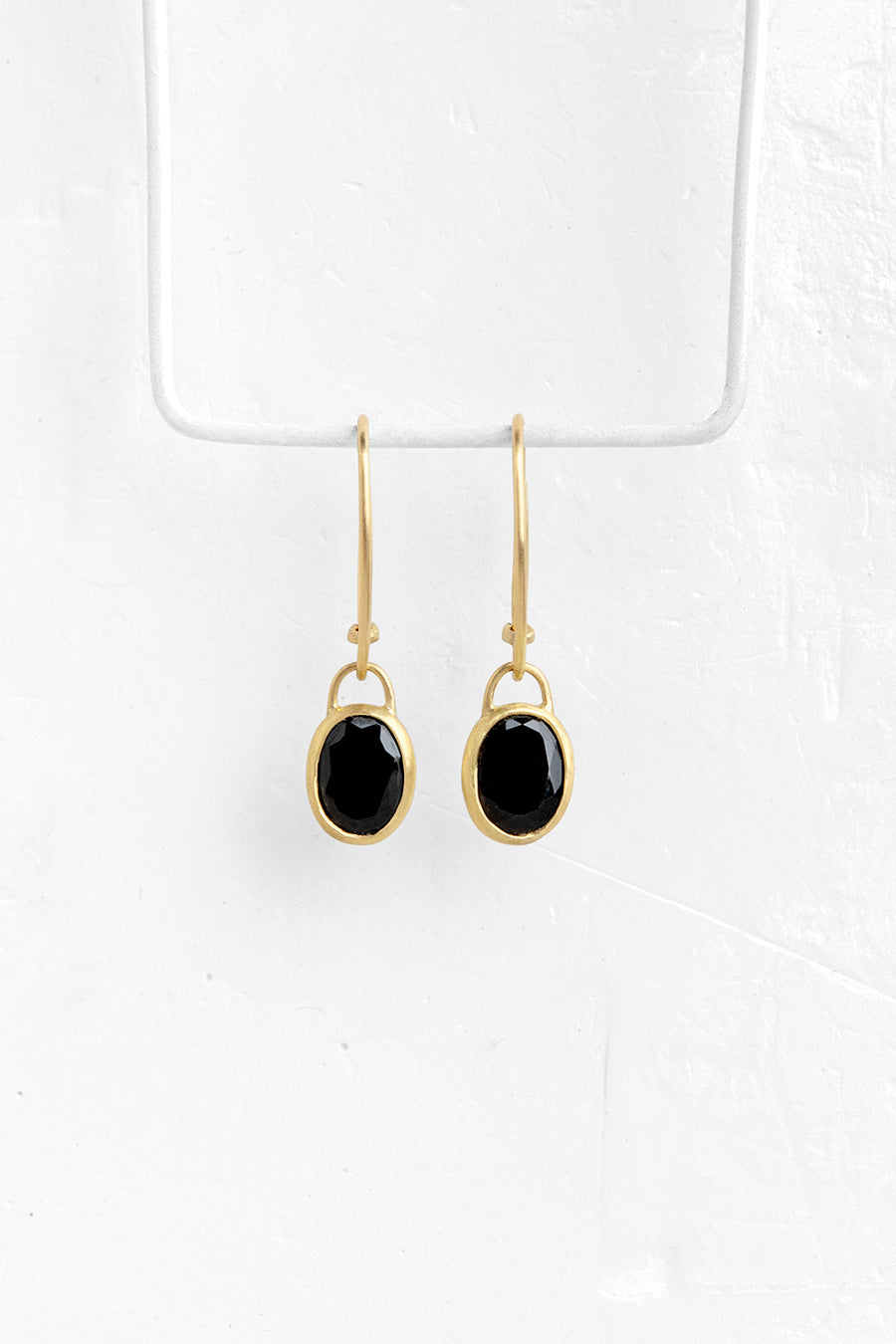 Stone Pendant Earrings in Onyx