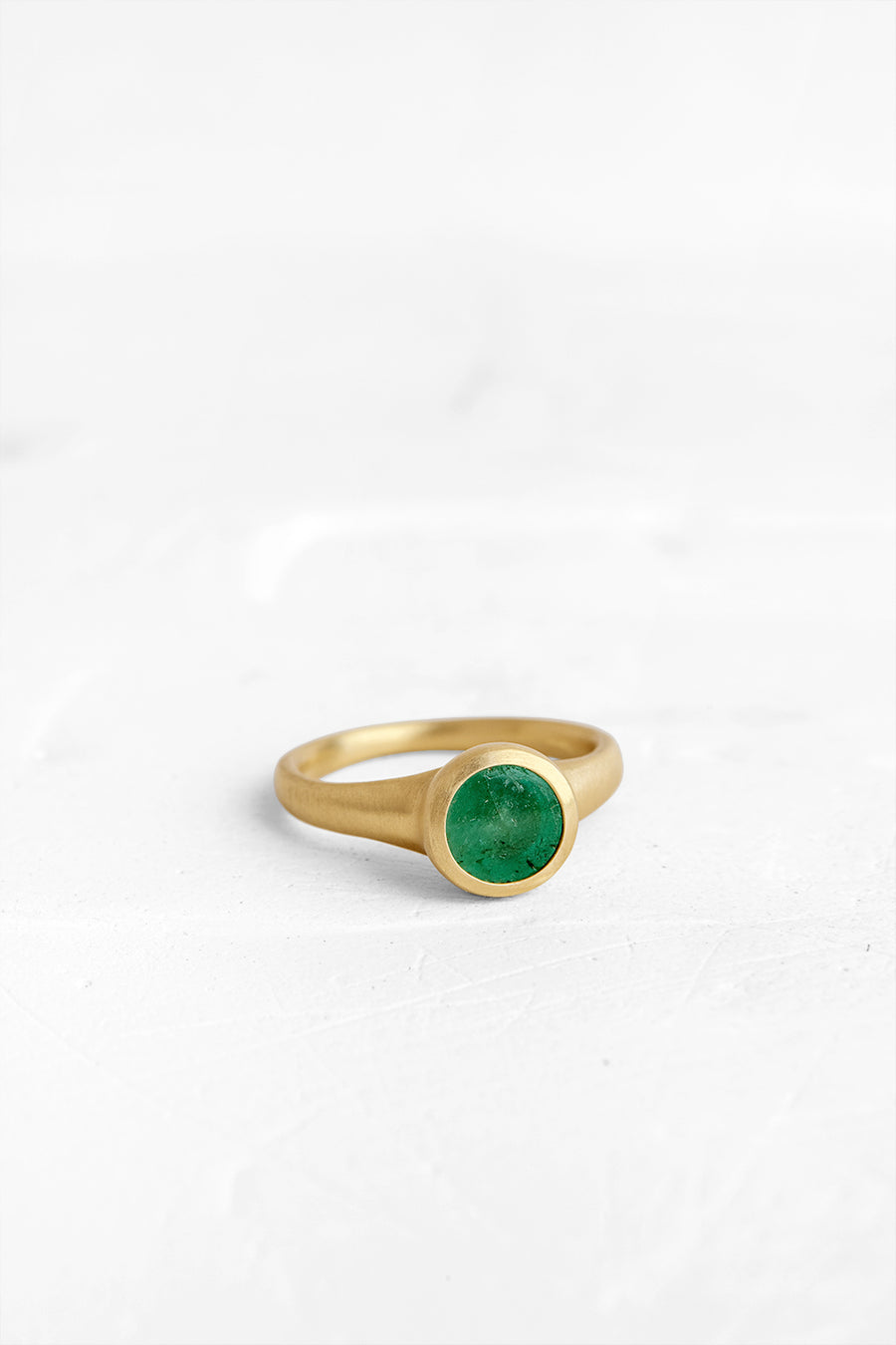 Round Ring with Emerald
