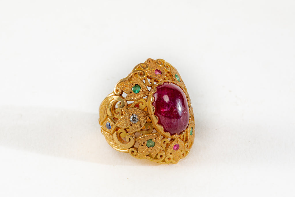 Royal Ruby gold Ring