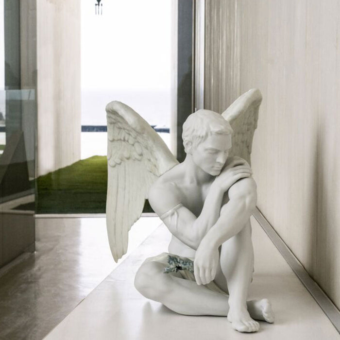 "Sculpture ""Protective Angel"" - Lladro"