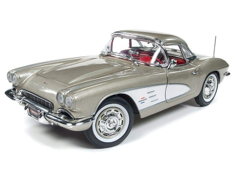 Auto World 1961 Chevrolet Corvette 1:18 Scale