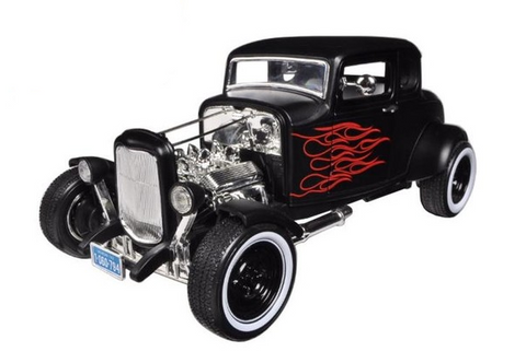 1932 Ford Hot Rod Matt Black with Flames 1:18 Scale