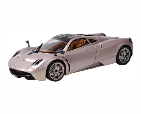 PLATINUM COLLECTION PAGANI HUAYRA 1:18 Scale