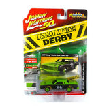 Johnny Lightning -Demolition Derby -1977 Chevy Monte Carlo (Green/Black) 1:64 Scale