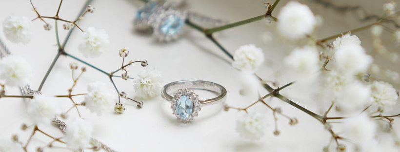 Dusty blue wedding inspiration ft. vintage jewelry