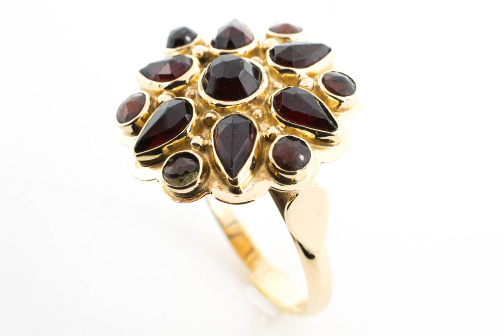 Garnet cluster ring in 14 carat gold.-Vintage & retro rings-The Antique Ring Shop, Amsterdam