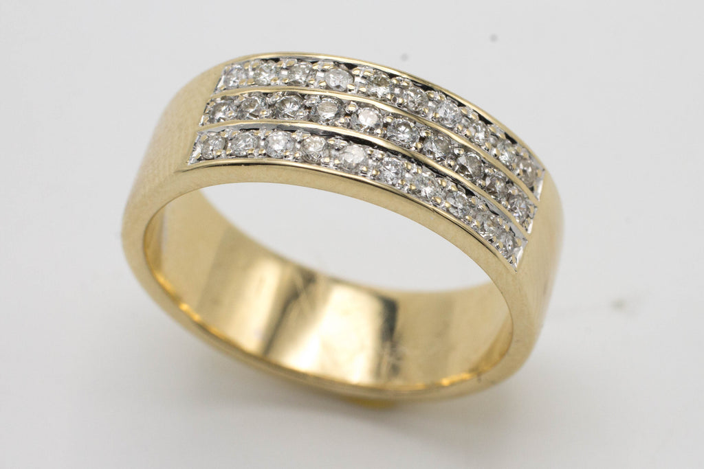 18 carat gold band with diamond rows.-Vintage & retro rings-The Antique Ring Shop, Amsterdam