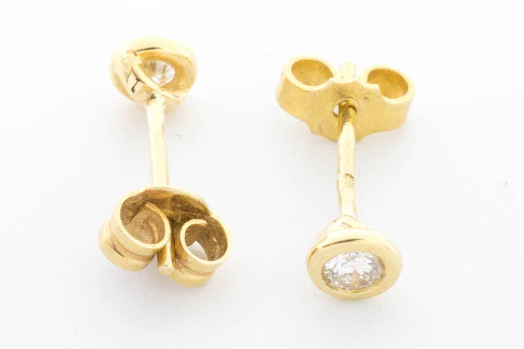 Diamond ear studs in 18 carat gold.-Earrings-The Antique Ring Shop, Amsterdam