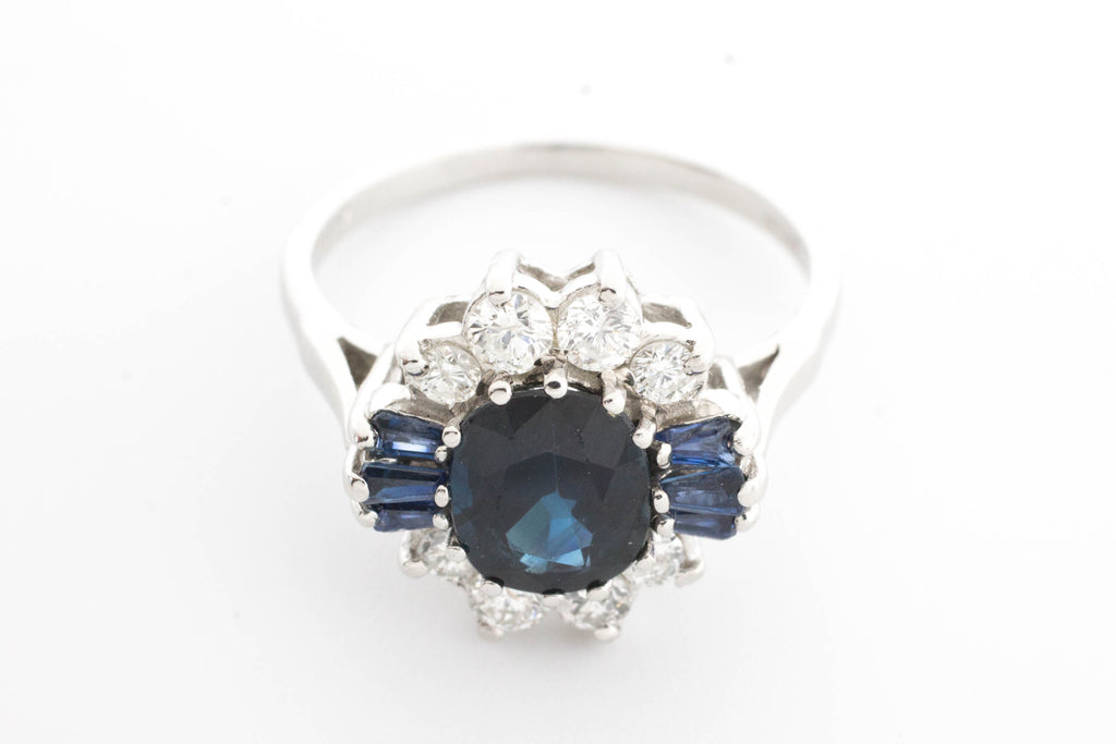 Sapphire ring in platinum with diamonds.-Vintage & retro rings-The Antique Ring Shop, Amsterdam