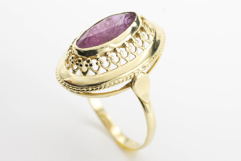 Pink sapphire ring in 14 carat gold-Vintage & retro rings-The Antique Ring Shop, Amsterdam