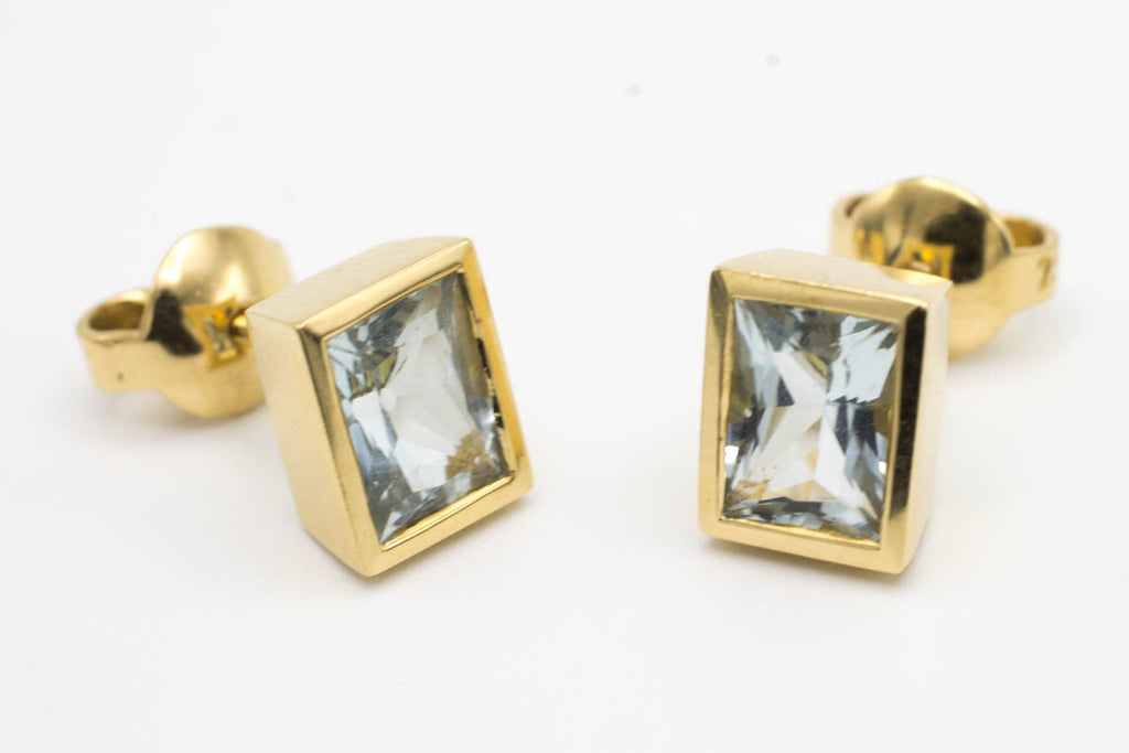 Aqua Marine ear studs in 18 carat gold