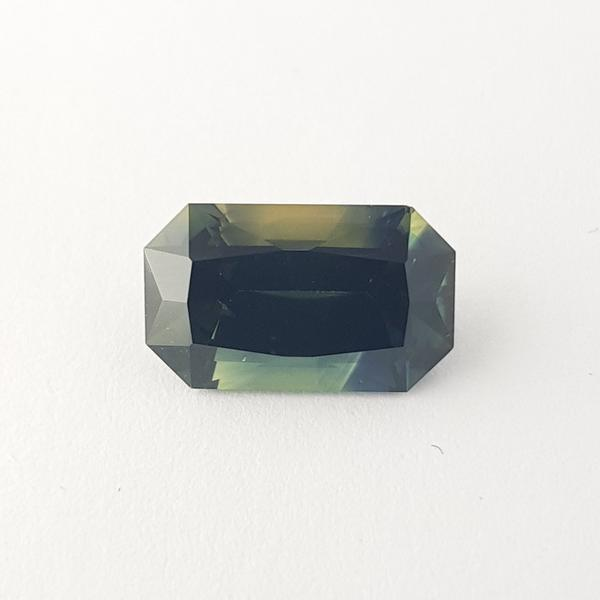 5.96ct Octagon Cut Bi-Colour Green Sapphire Certified Unheated 13.1x8mm