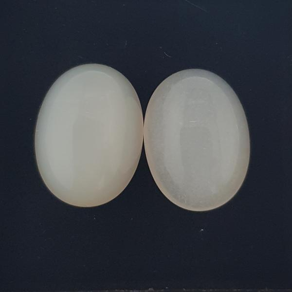 17.05ct Pair of Oval Cabochon White Moonstones 16x12mm - Dynagem
