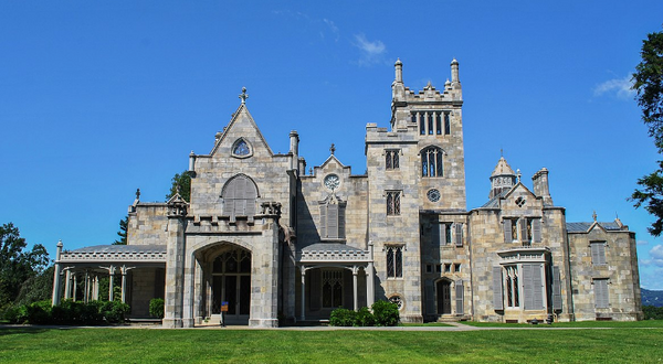 Lyndhurst Manor in Historic Hudson Valley New York Gothic