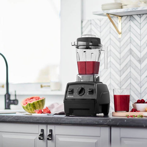 Vitamix E310 Blender healthy berry smoothie