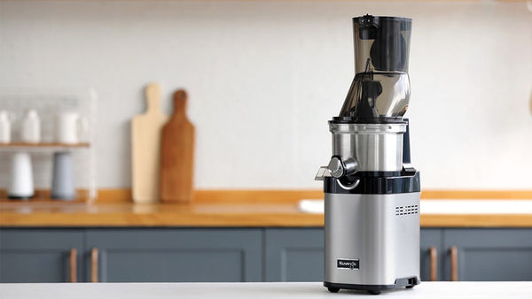Kuvings-CS600-Commercial-Juicer-CS700-lifestyle