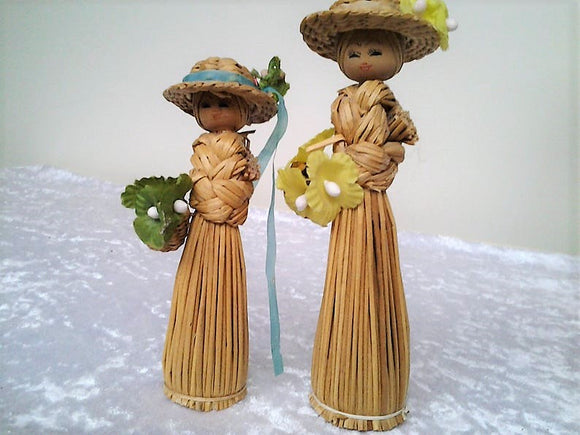 Pair 1970's Scandinavian Folk Art Corn Husk Figurine Dolls