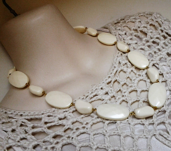 Vintage Ivory and Gold Tone Costume Jewellery Necklace