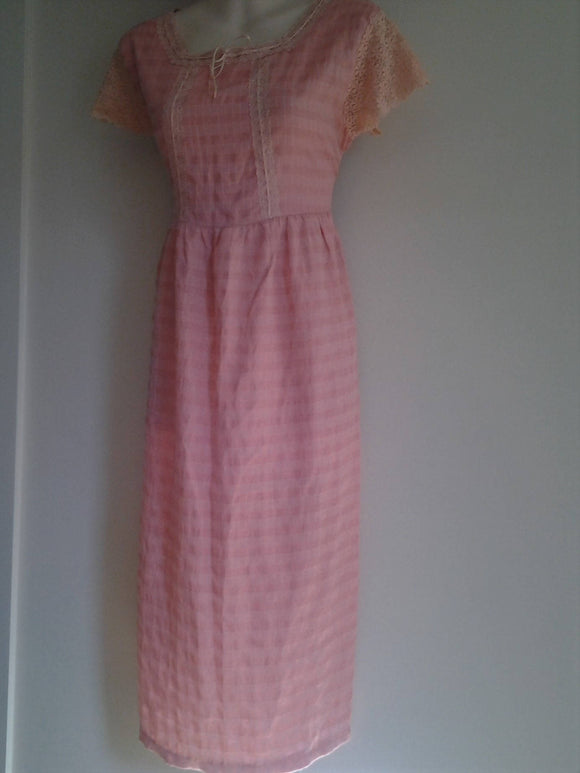 Ladies 1950's Seersucker and Lace Pink Ladies Dress