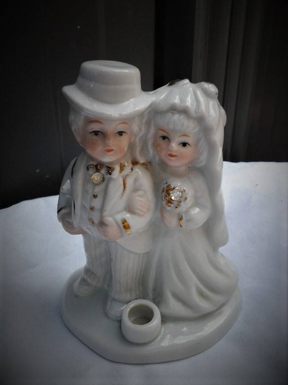 Italian Porcelain Bride and Groom Wedding Topper 1960's