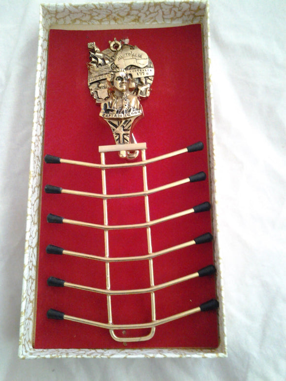 1960s Boxed Captain Cook and Endeavour Tie & Belt Hanger