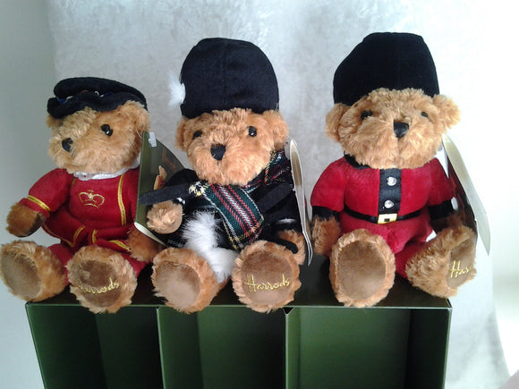Harrods Bears Boxed Set of 3 Knightsbridge London Beefeater Character Bean Bears