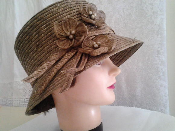 Vintage Straw Ladies Races Hat