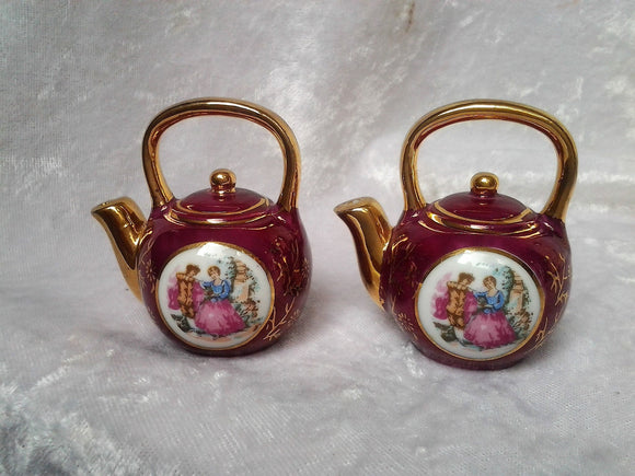 Vintage Courting Couple Salt and Pepper Shakers Japanese