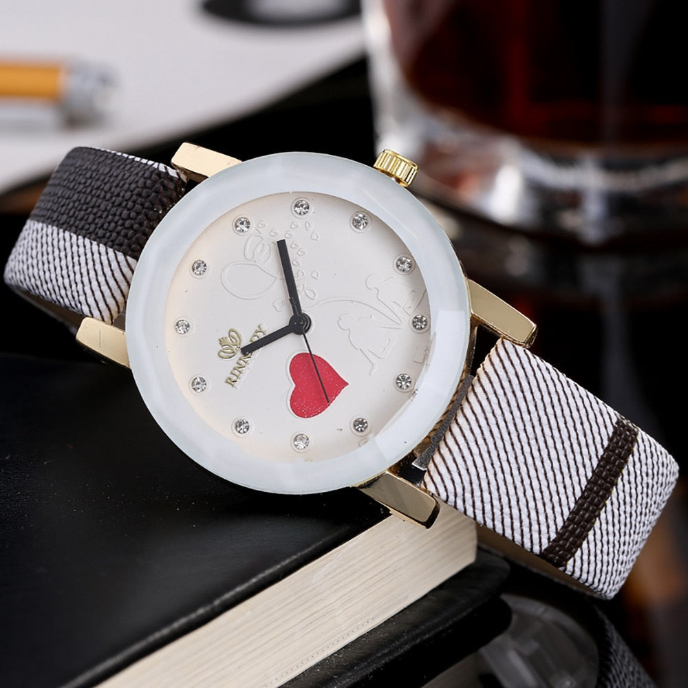 Simple Heart Quartz Wristwatch for Women