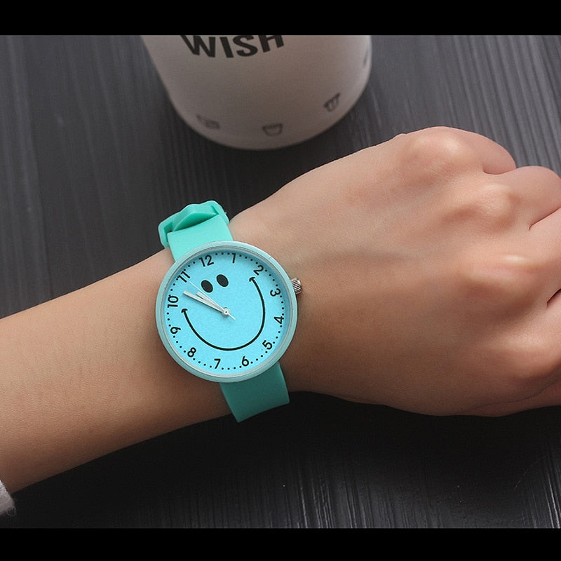 Smiley Quartz Wristwatches For Woman