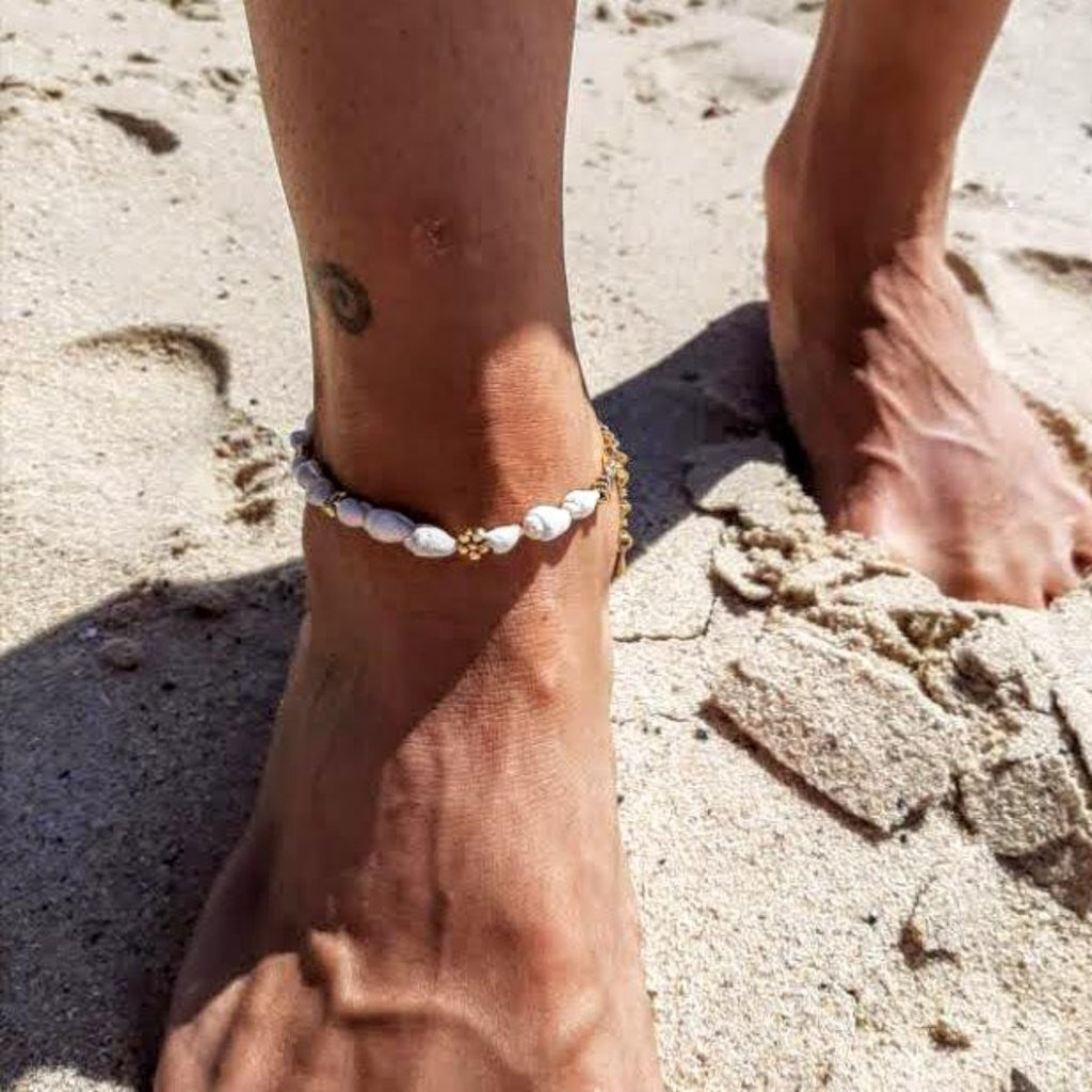 vermeil daisy shell anklet