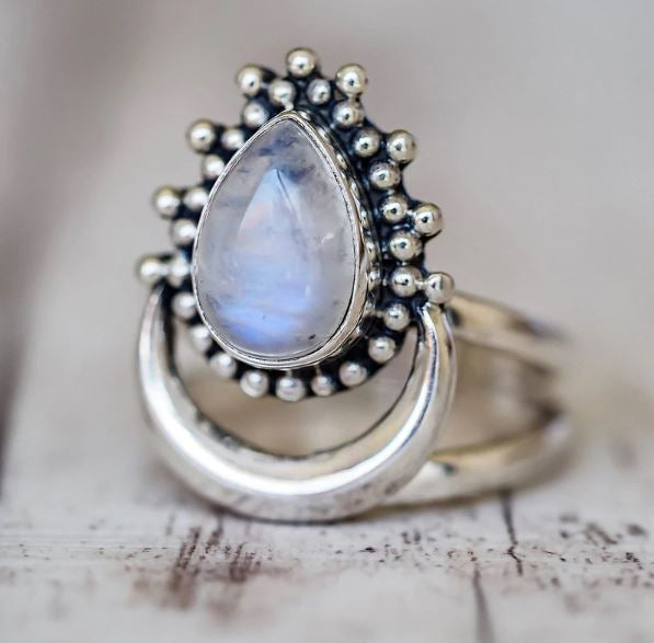Crescent Moonstone 925 Silver Ring🌙