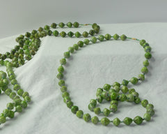 Long necklace - apple green
