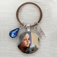 Personalized handmade birthday name key chain photo child mom dad a family photo of a gift Crystal keychain Letter keychain