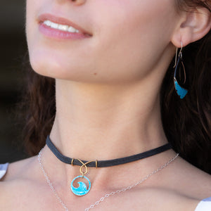 model wearing loop bail aqua  mini wave choker