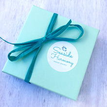 Load image into Gallery viewer, seaside harmony jewelry gift box with bow